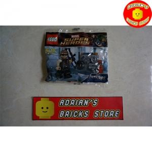 LEGO 30165 - Hawkeye with Equipment Image 1