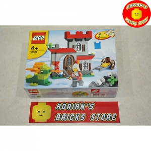 LEGO 5929 - Knight and Castle Building Set Image 1